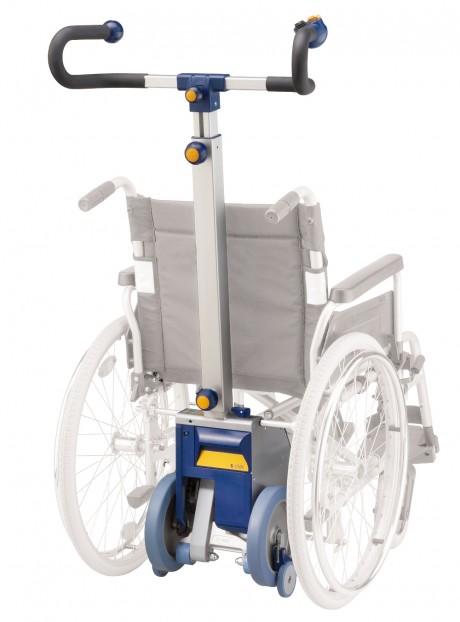 montascale a ruote s-max montato sulla carrozzella