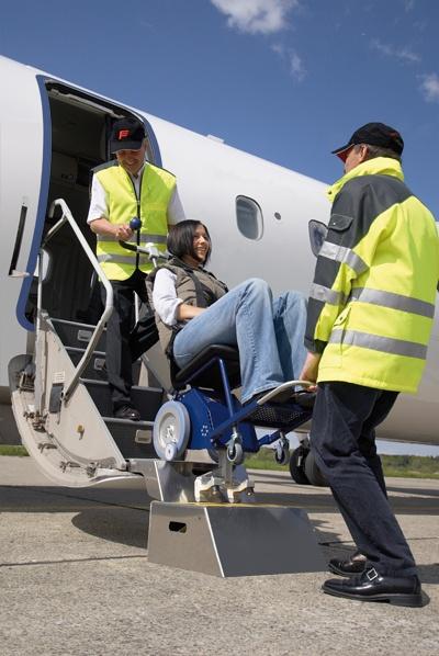 Montascale s-max aviation per trasporto disabili sull'aereo